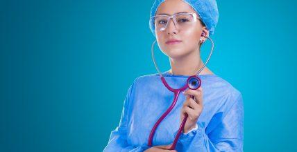 Podwyżki dla pielęgniarek i położnych